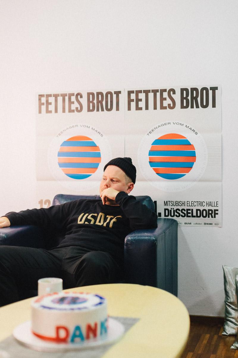 the-dorf-besuch-von-fettes-brot-2