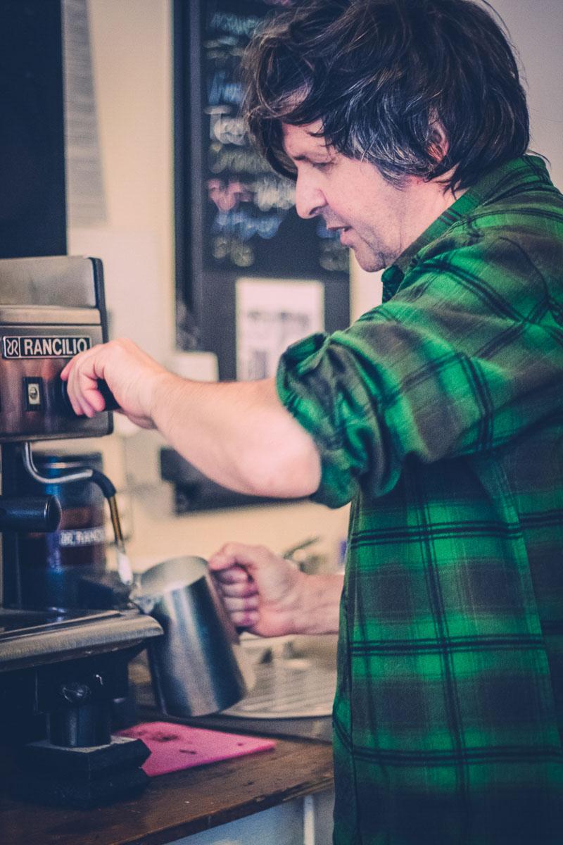 the-dorf-caffe-enuma-6